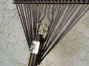 sturdy rake details
