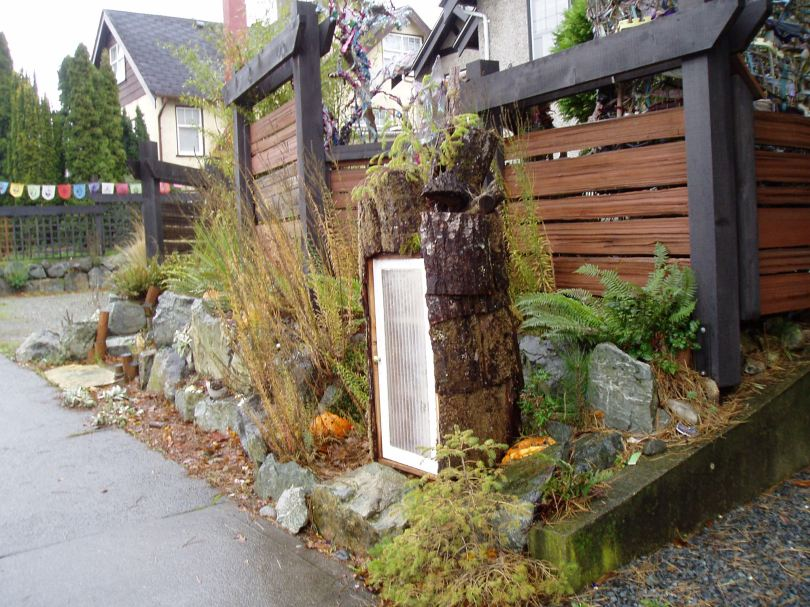 funky front yard, Victoria, Vancouver Island, BC, Pacific Northwest